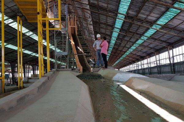 INH inaugura el primer Modelo Físico de Flujos Aluvionales de la Quebrada de Macul y el Canal de Socavación de Pilas