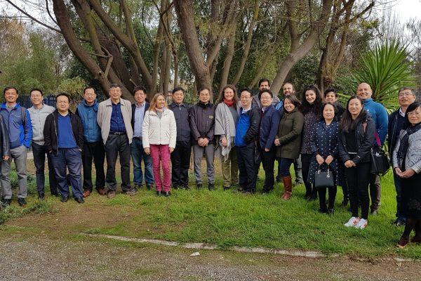 Delegación de científicos chinos visitan el INH